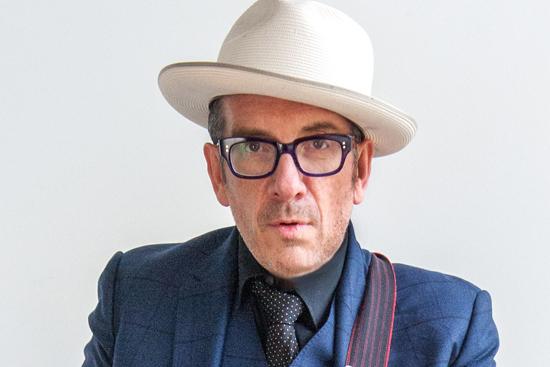 """Interview mit Elvis Costello: """"Jürgen Klopp ist sehr witzig"""""""